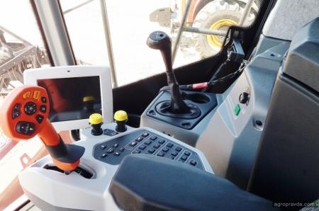 Техника VERSATILE впечатлила посетителей на Дне Поля Лозовских машин 2019