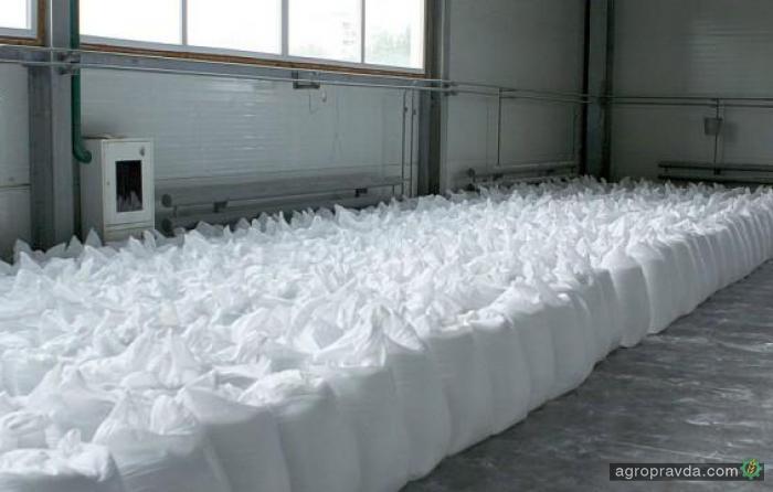 С понедельника вводятся антидемпинговые пошлины на карбамид и КАС