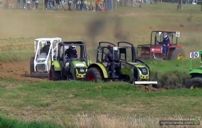 Невероятные гонки на тракторах. Видео