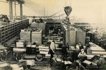 КрАЗ 60 лет назад выпускал комбайны. Фото