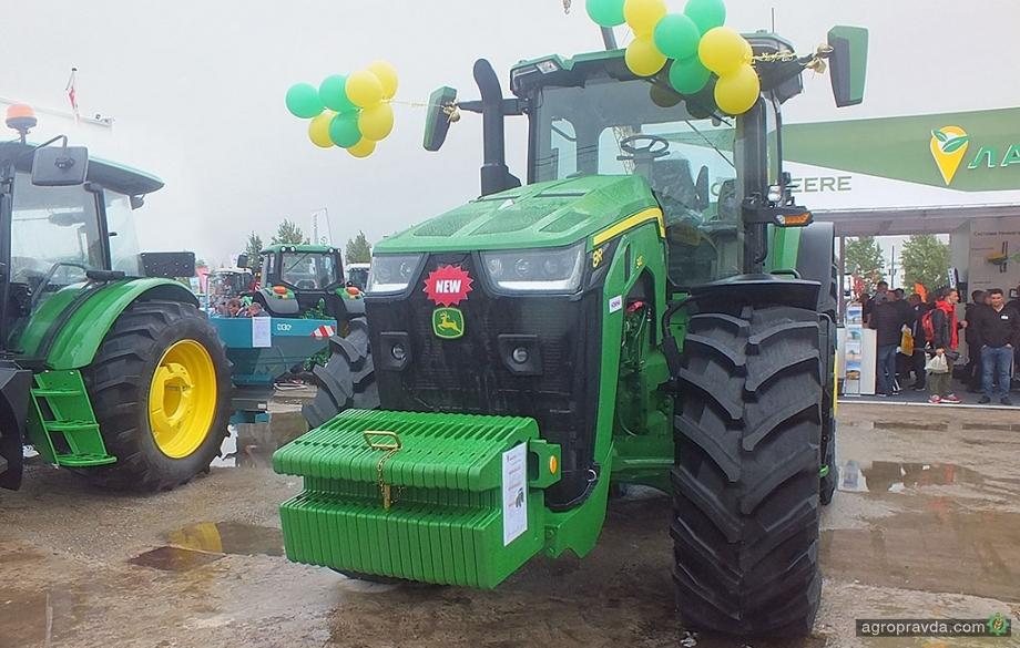 На Agro Expo 2020 представили трактор John Deere нового поколения