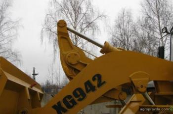 фронтальный погрузчик XIAGONG XG942