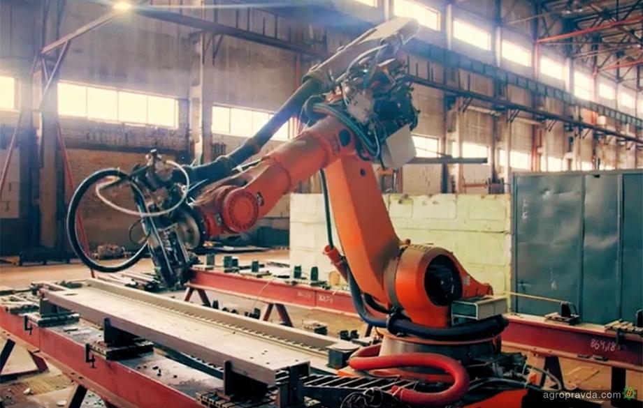 На ХТЗ показали как работает роботизированный 3D-лазер