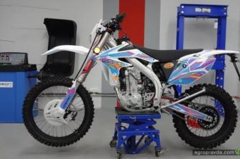 Geon обновил хард-эндуро серии Dakar к 2017 г.