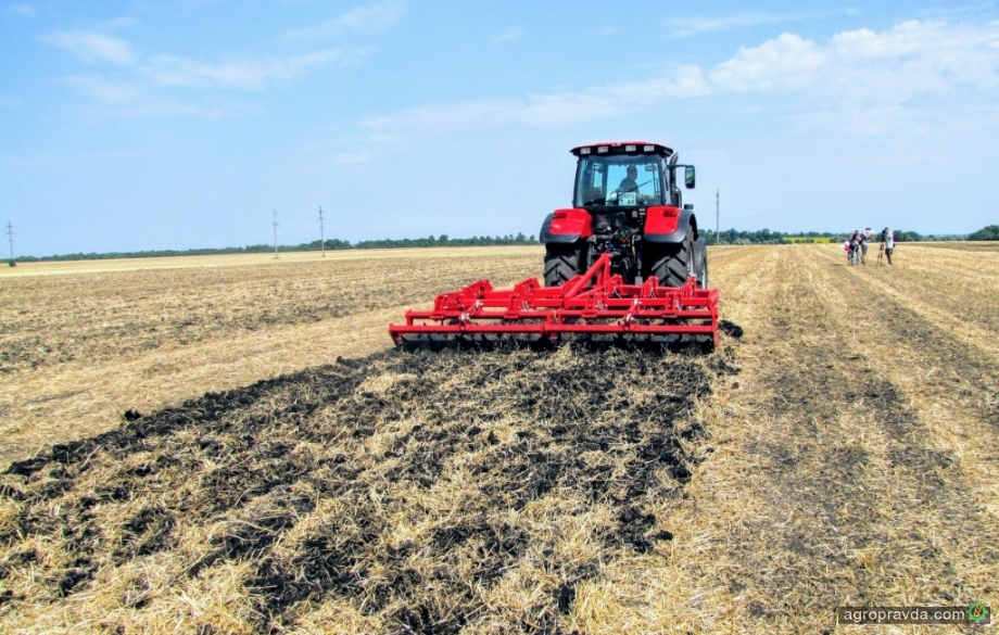 Аграриям выдали почти миллиард гривень дотаций на закупку сельхозтехники