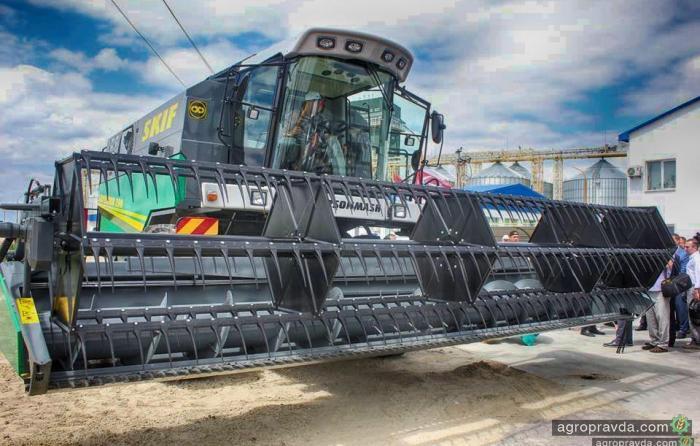 ХМЗ уже выпустил 8 комбайнов Skif 280 Superior