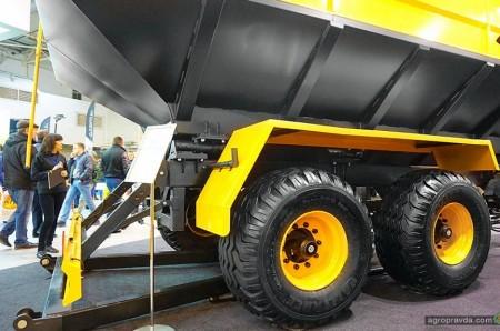 В Киеве представили новый аграрный бункер отечественного производства