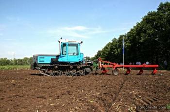 Тракторы гусеничные до 350 л.с.: что есть на рынке