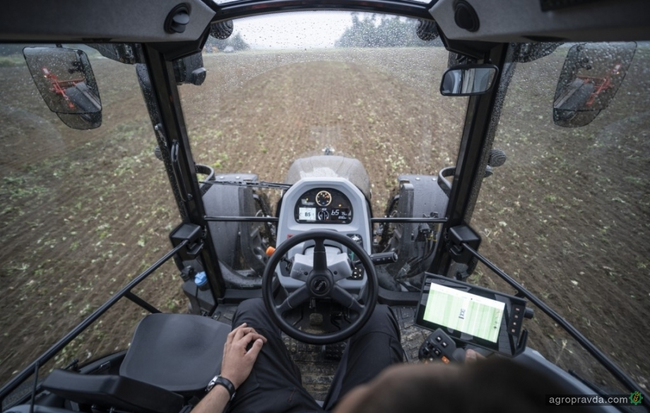 Valtra разработал новую систему управления движением тракторов