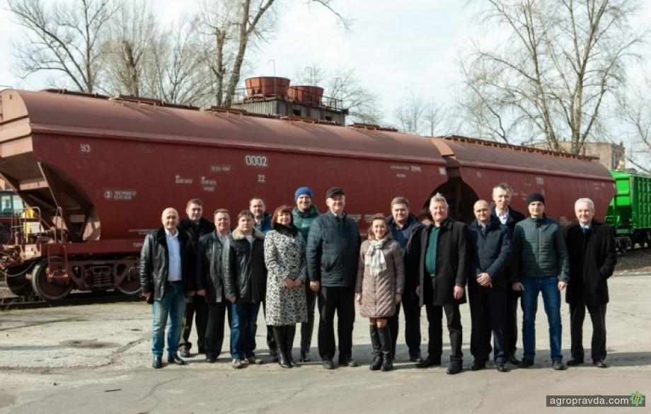 Крюковский вагонзавод будет выпускать новые модели зерновозов