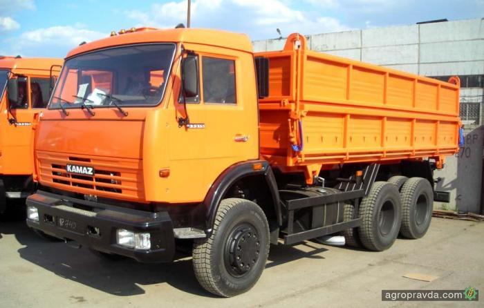 КамАЗ сократил продажи на 40%. Причина – в Кремле
