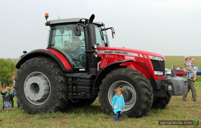 Трактора Massey Ferguson представили на фестивале в Агрохолдинге «МРИЯ»