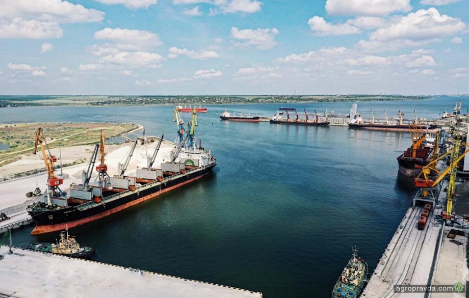 Порт «Ника-Тера» перевалил первый миллион тонн грузов