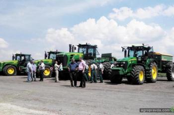 На полях Агрохолдинга «Мрия» прошла презентация новинок украинского рынка с/х техники