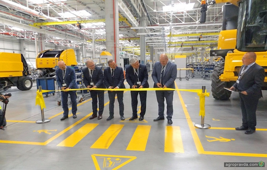 New Holland в Польше открыл новую линию производства комбайнов