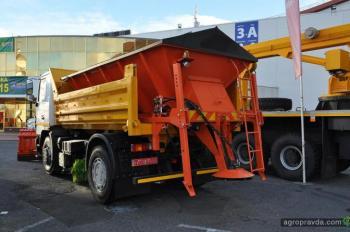 В Украине представили новую спецтехнику на шасси МАЗ, КрАЗ, Ford Cargo