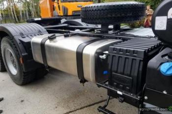 Ford Trucks выводит на украинский рынок тягач 6х4 для аграрного сектора