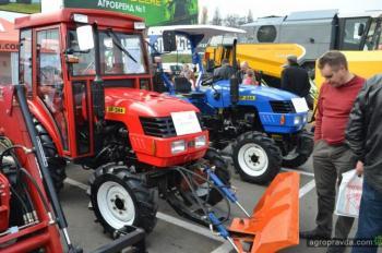 Львов закупил 11 тракторов ля уборки снега