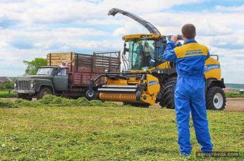 Как отработал первый в Украине кормоуборочный комбайн New Holland