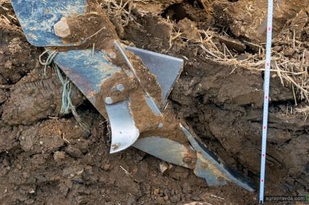 Переуплотнение почвы: причины, последствия и решения