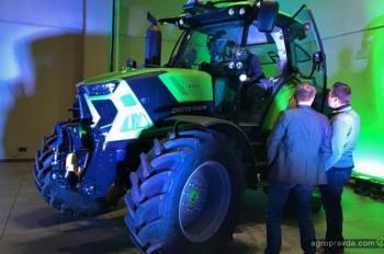 Появились шпионские фото новых тракторов Deutz-Fahr