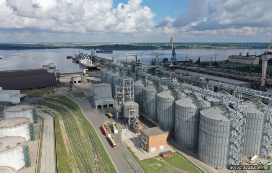 Порт «Ника-Тера» приступил к приему шрота нового урожая