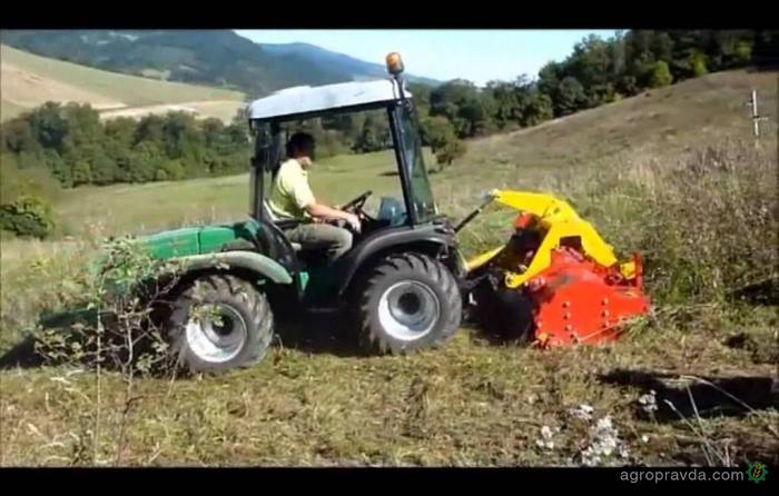 Трактор Ferrari в работе. Видео
