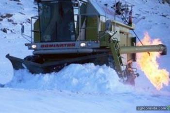 Как зимуют комбайны. Фото