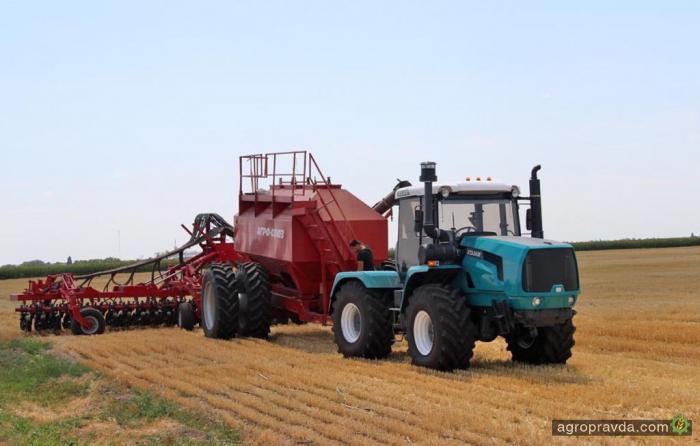 ХТЗ провел тестовые испытания трактора с посевным комплексом Turbosem
