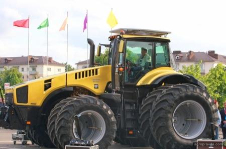 МТЗ показал новую линейку тракторов Yellow Line