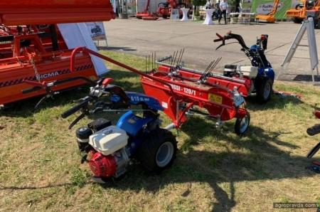 В Украину прибыли новые 2-колесные тракторы Ferrari. Фото