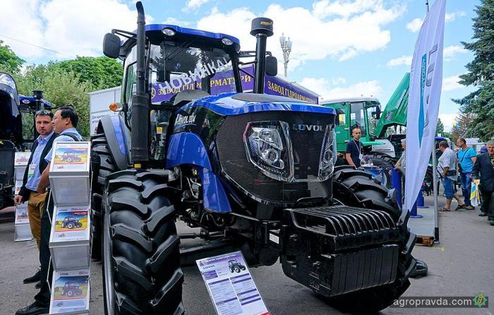 В Украине стартовали продажи флагмана тракторов Lovol