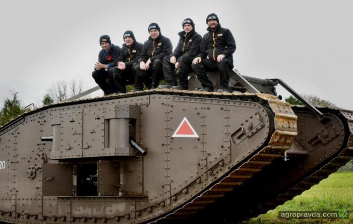 JCB выпустил свой первый танк