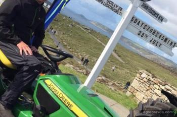 Британец преодолел на газонокосилке 1400 км