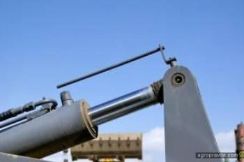 Тест фронтального погрузчика Mitsuber ML333R