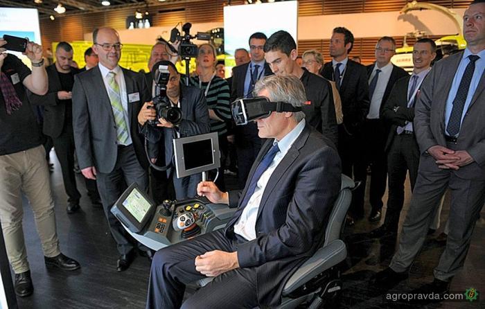 Тракторную кабину воплотили в виртуальной реальности