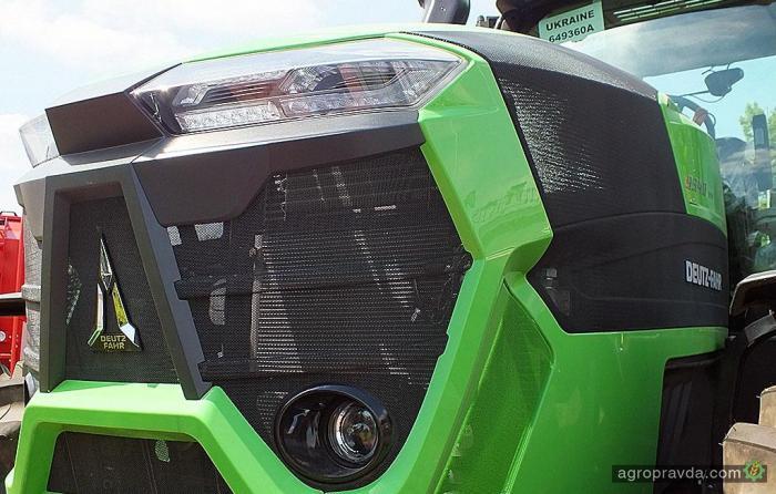 На выставке в Киеве показали самый красивый трактор Deutz-Fahr