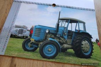 Выпущен уникальный календарь раритетных тракторов Zetor. Фото