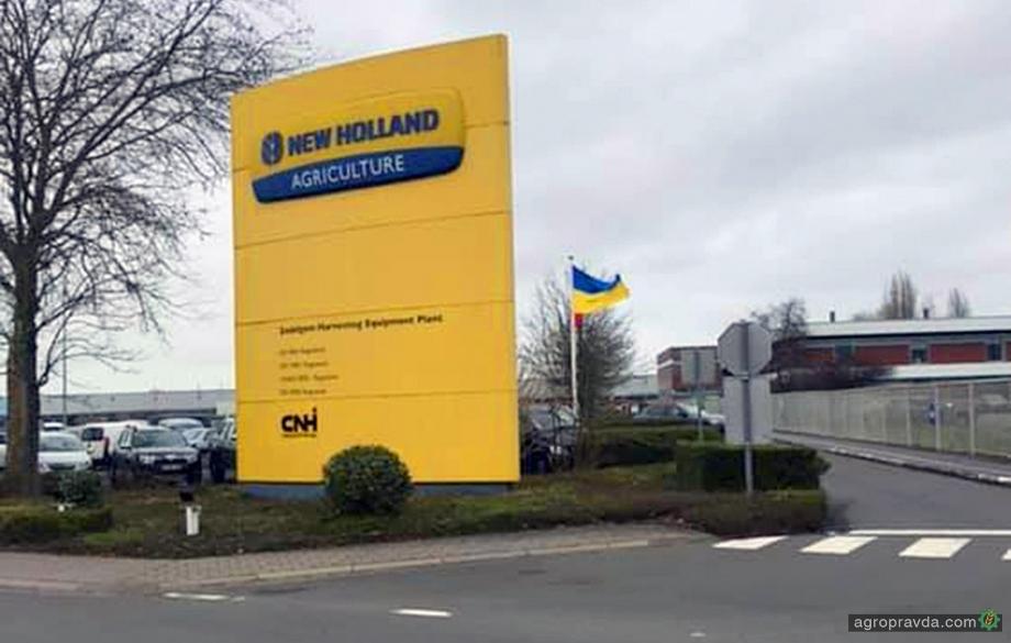 Украинцы посетили завод самых больших комбайнов New Holland. Фото
