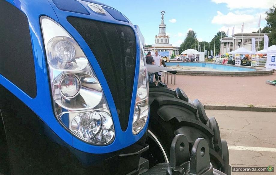 В Киеве представили трактор New Holland T6090