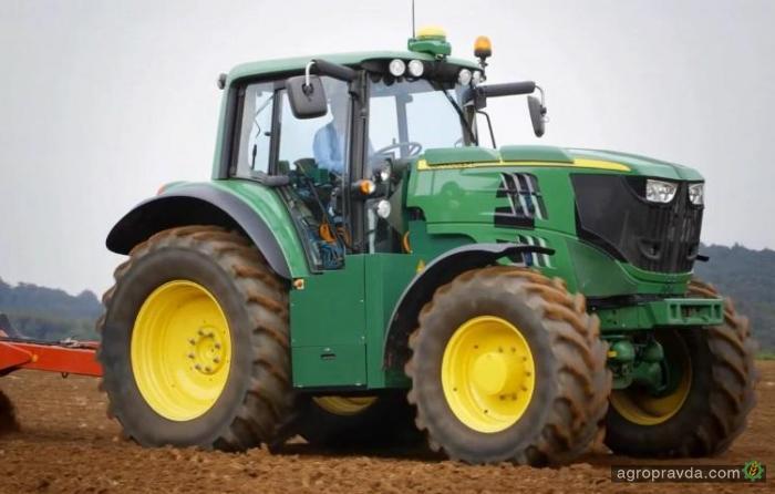 John Deere покажет свой первый электротрактор