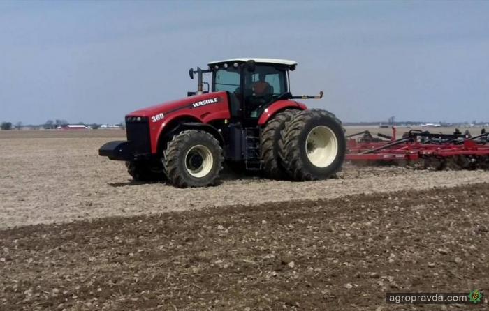 Трактор Versatile в работе. Видео