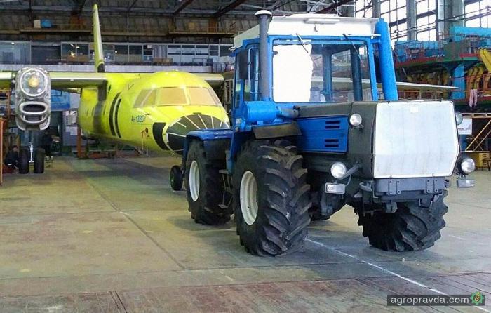 Трактора ХТЗ «прописались» в авиации