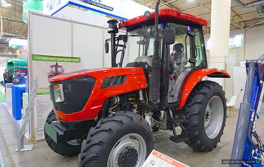В Киеве представили новую модель отечественного трактора