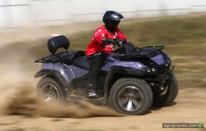 В РФ хотят выпустить электроквадроцикл на базе болотохода