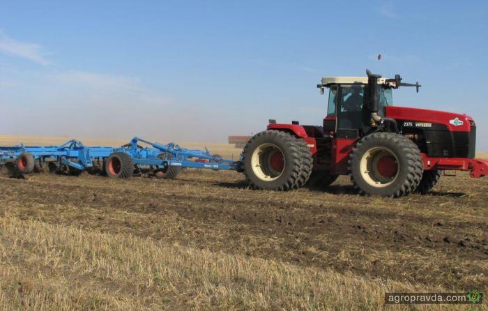 Часть производства тракторов Versatile перенесут из Канады в РФ