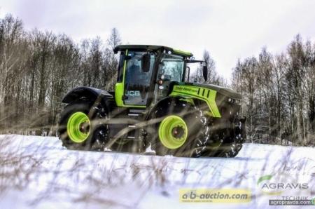 На аукцион выставлен трактор JCB в стиле Mercedes-Benz-trac. Фото