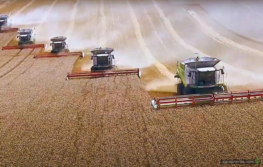Украинским аграриям передана новая партия комбайнов Claas Lexion