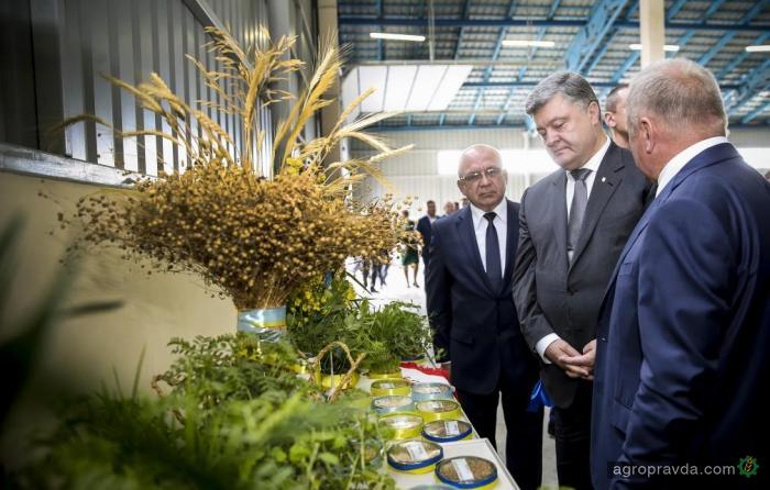 Порошенко: аграрный комплекс – главный источник валюты в Украине