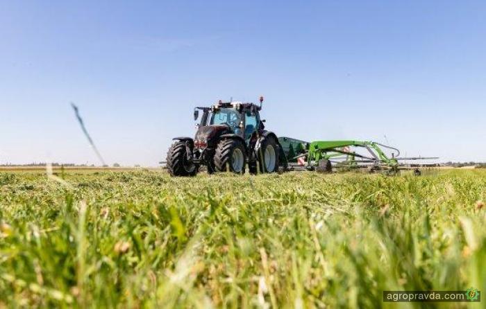 Для тракторов Valtra будет доступна пневмоподвеска Aires